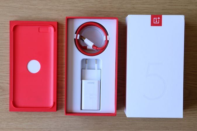 Recenzije mobitela i tableta. Smart Office paketi namijenjeni su svim poduzetnicima, bez obzira na veličinu i djelatnost.